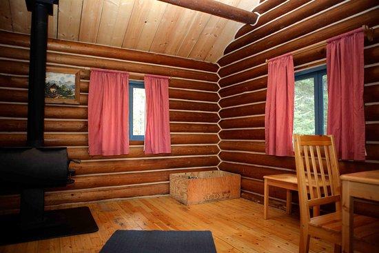 Wells, Kanada: Trapper Cabin - Inside