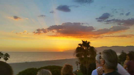 Hotel Shangri-La Santa Monica: 20140916_185841001_1471933877427_large.jpg