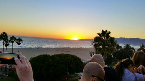 Hotel Shangri-La Santa Monica: 20140915_185948001_1471933825583_large.jpg