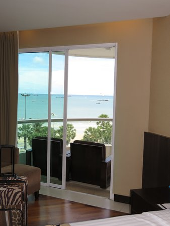 A-ONE Pattaya Beach Resort Photo