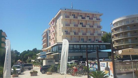 Beach Hotel Apollo : 20160822_150752_large.jpg