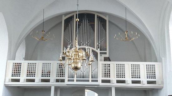 Praestoe, Denmark: Det ene orgel