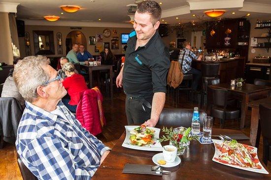 Oirschot, Paesi Bassi: Wij hete u van harte welkom bij Dinercafé 't Kroegske.