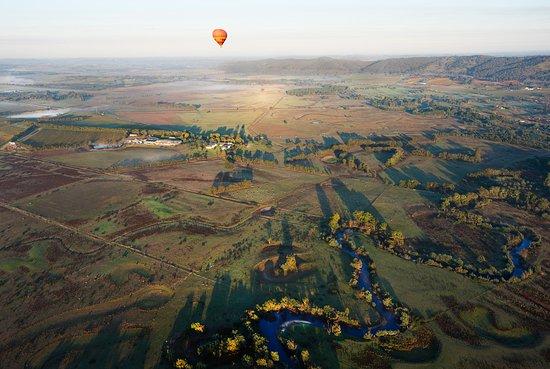 Coldstream, Australien: Flying over the Yarra Valley