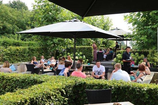 Oirschot, Paesi Bassi: Terras bij Dinercafé 't Kroegske