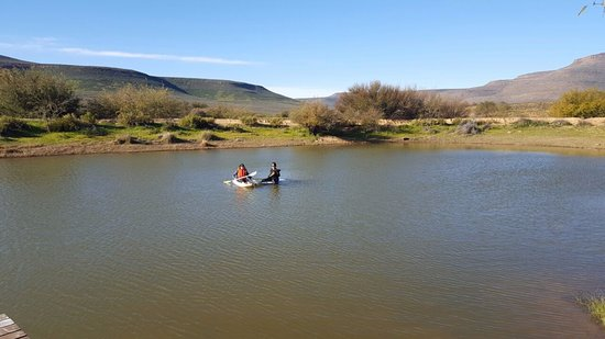 Cederberg, Νότια Αφρική: Enjoying some free canoeing in the dam.