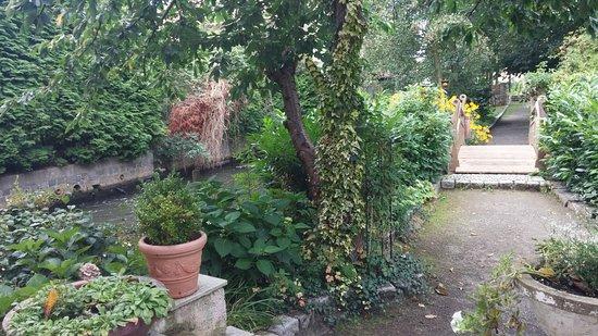 Wittichenau, Niemcy: Mühlfließ und Garten