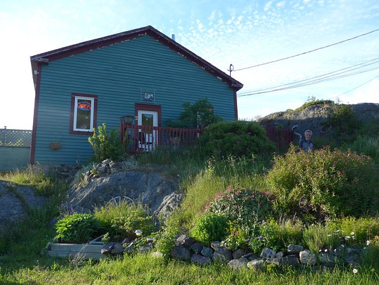 Portugal Cove, Καναδάς: A rather unassuming exterior. Thought it was a house!