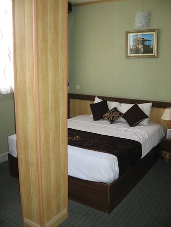 room with column