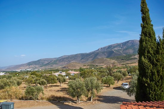 Laujar de Andarax, Espanha: The view from our room (see a little of the parking too)