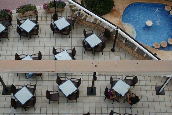 Hotel Peymar: Вид с крыши на бар