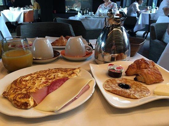 Hotel Montanus: Petit Déjeuner