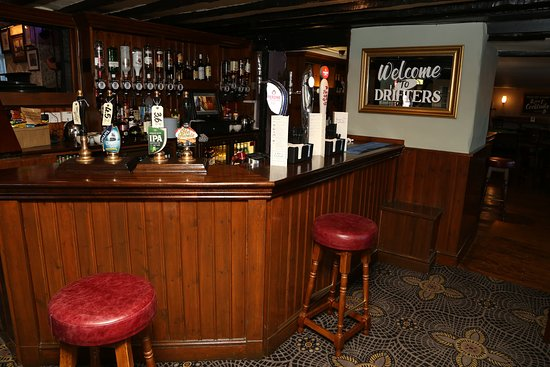 Canvey Island, UK: drifters bar, upstairs open every day