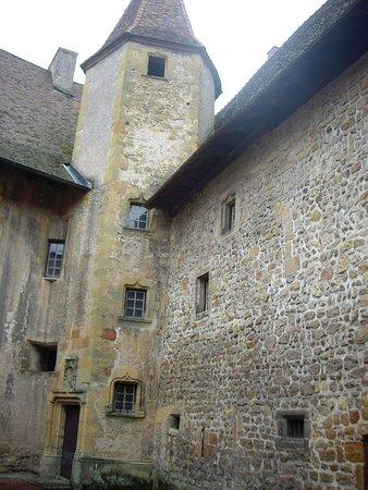 Charlieu, Frankrike: De la cour intérieure