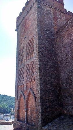 Parque Natural Sierra de Aracena y Picos de Aroche, España: Torre de Iglesia, en Aracena