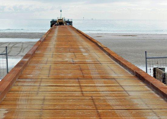 Rosebud, Australia: Laying the new planks