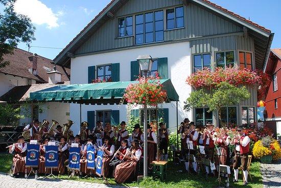 Das Bild ist vom Kapitelfest mit der Blechmusi von Wiggensbach.
