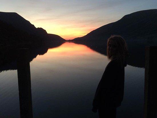 Rhyd Ddu, UK: Sunset at the lake