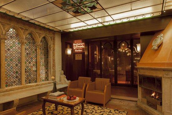 Hotel Saturnia & International Hall