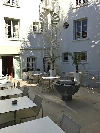 Hotel Cezanne: Terrasse