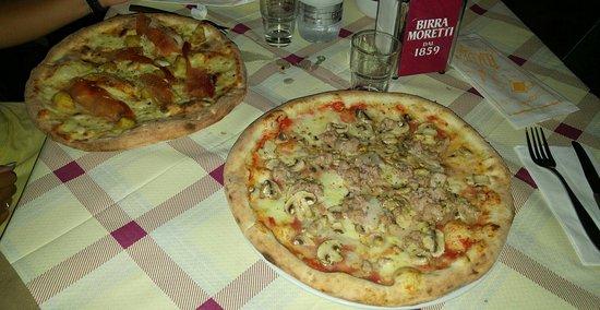 Pedara, إيطاليا: Pizzeria del Corso