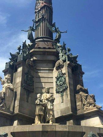 Monumento a Cristoforo Colombo : Monumento a Colombo