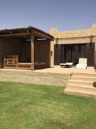 Qasr Al Sarab Desert Resort by Anantara: A room with a view!!