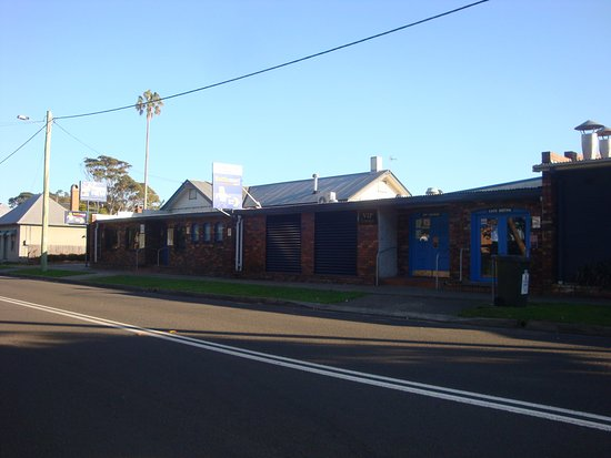 Greenwell Point Hotel