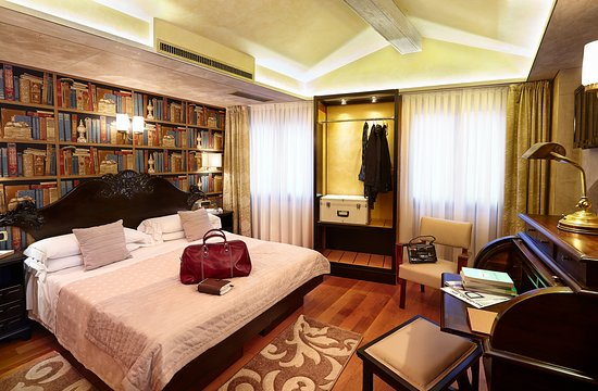 Hotel Saturnia & International Standard Room