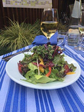 Randersacker, Германия: ... der Salat als Vorspeise - einfach Klasse ...