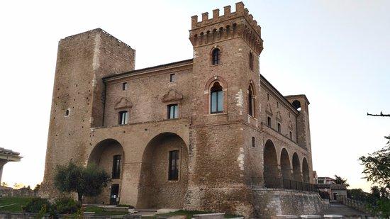 Crecchio, Italia: Il castello