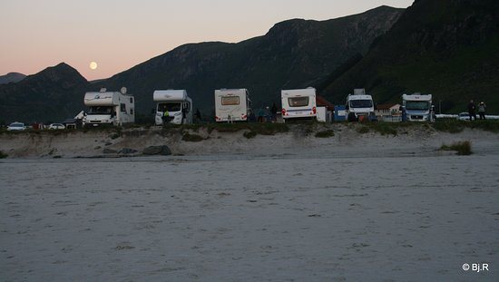 Vagsoy Municipality, Norge: Campingplassen ved stranden
