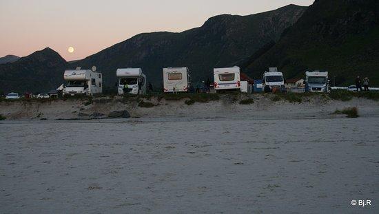 Vagsøy, Norge: Campingplassen ved stranden