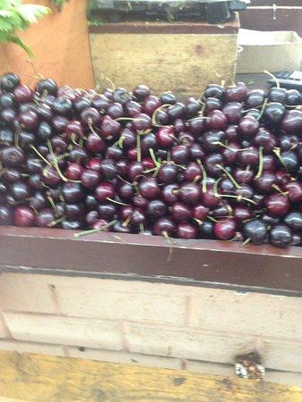 Domodedovo Market: Дешевые сезонные фрукты и овощи