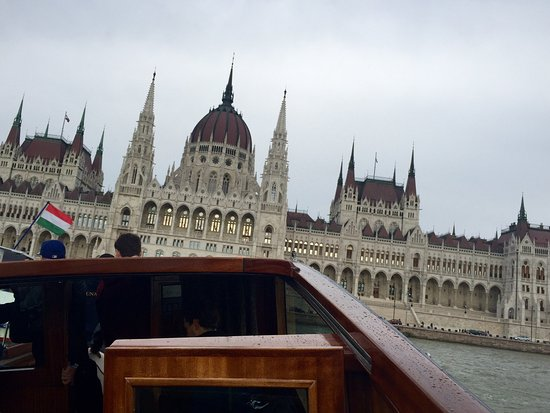 Dunarama Sightseeing Cruise: mit speed richtung parlament