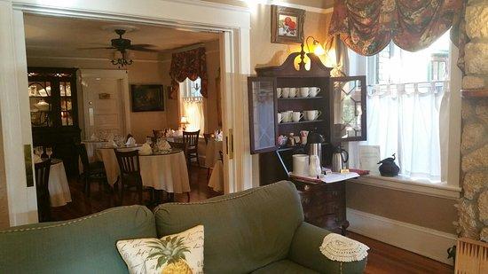 Inn On Charlotte: 20160820_083254_large.jpg