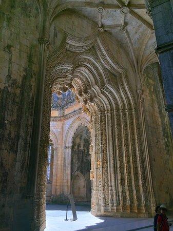 Баталья, Португалия: Batalha Monastery