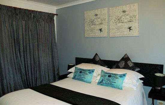George Lodge International: Double Bed Standard Room