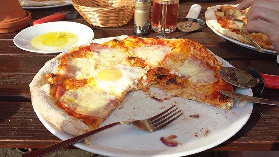 Goehren-Lebbin, Germania: Pizza Peter