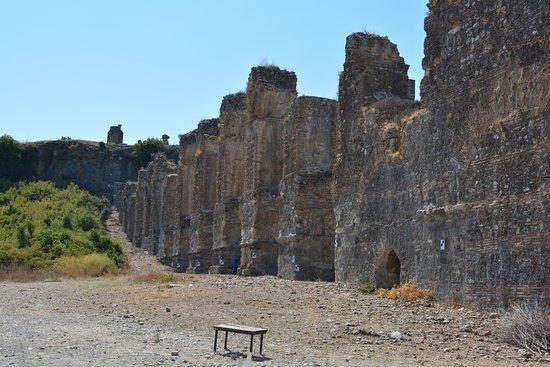 Aspendos Ruins and Theater: Aspendos-Perge Aqueduct