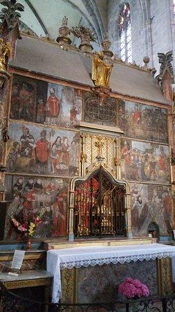 Saint-Bertrand-de-Comminges, Francja: Schilderingen achter het altaar