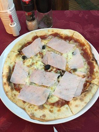 Azzurra: Pizza
