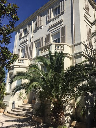 Photo of Hotel Oxford Cannes