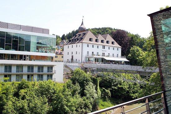 Das Schloss An Der Eisenstrasse