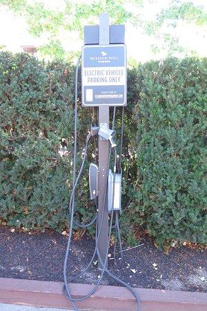 West Kelowna, Canada: EV recharge