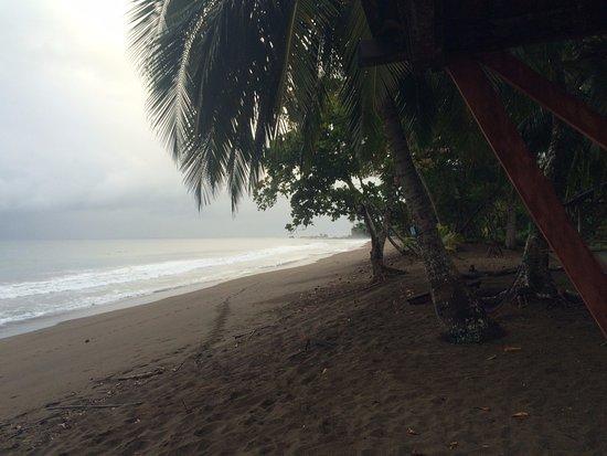 Osa Peninsula, Costa Rica: Verso N-O, alta marea. Pioggia
