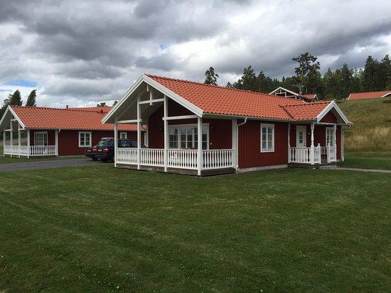 Kolsva, Sverige: De Stuga met veld er rondom heen.