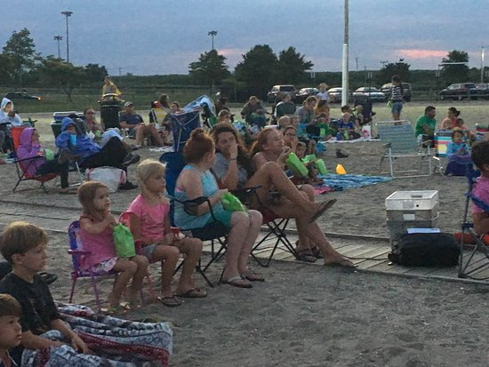 Stratford, CT : Relaxing at Movie Night!