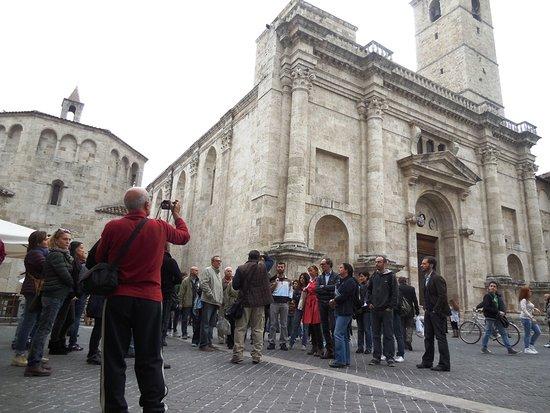 Ascoli Tour Guide