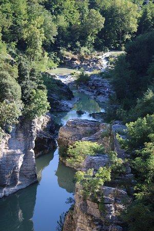 Fossombrone, Italie : Canyon